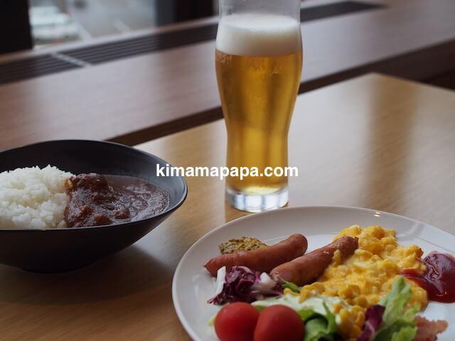 成田空港のサクララウンジのご飯