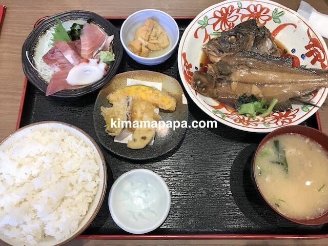 金沢、魚がし食堂のお魚づくし