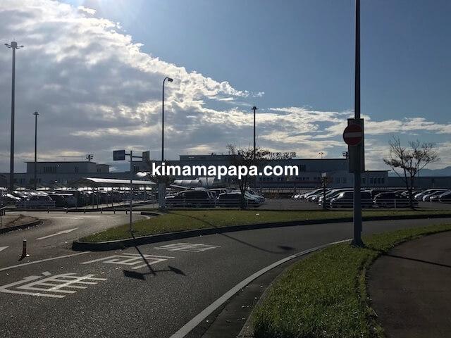 石川、小松空港