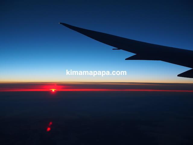 ヘルシンキから成田、機内から見た夕日