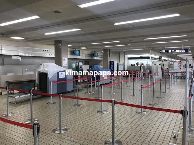 小松空港、国際線チェックインカウンター
