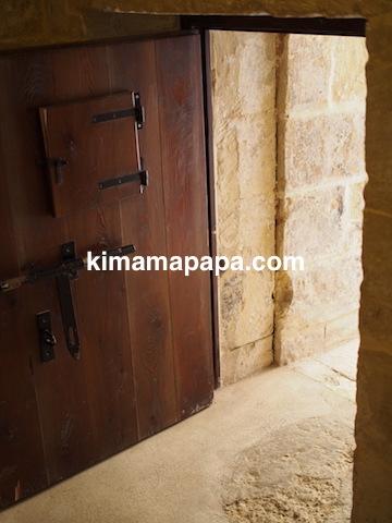 マルタ宗教裁判官宮殿の独房の入り口