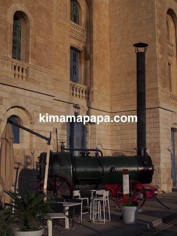マルタ海洋博物館そばの機関車