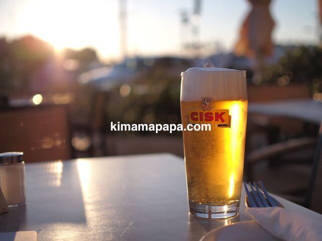 マルタのヴィットリオーザ、ソットベントレストランのチスクビール