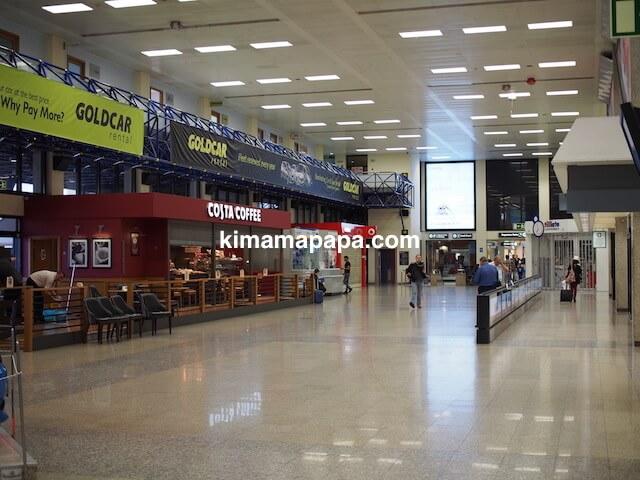 マルタ国際空港の到着ロビー