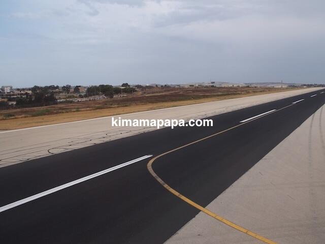 マルタ国際空港の滑走路