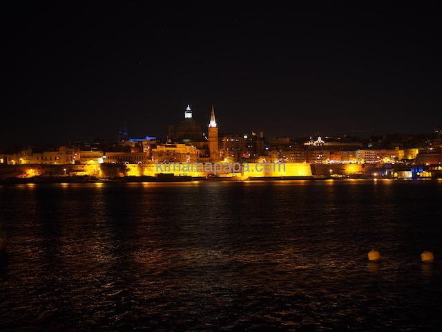 スリーマから見たヴァレッタの夜景