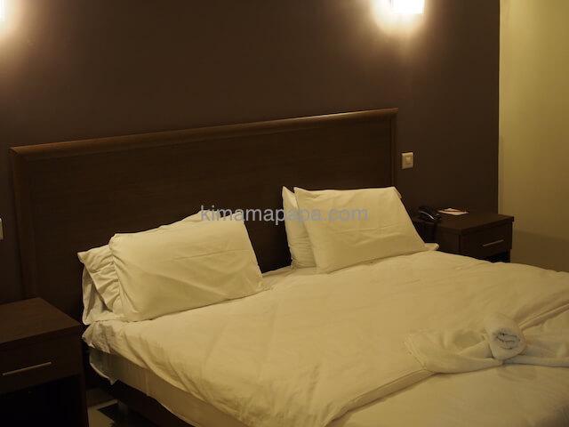 マルタのウインザーホテルのベッド