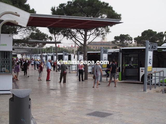 マルタ、ヴァレッタのBay-Aバスターミナル