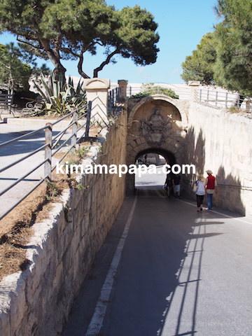イムディーナ、ギリシャ門までの道