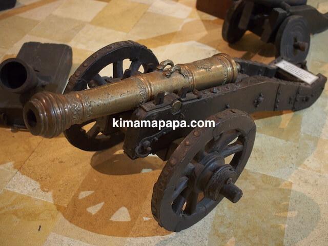 ヴァレッタ、軍事博物館の大砲