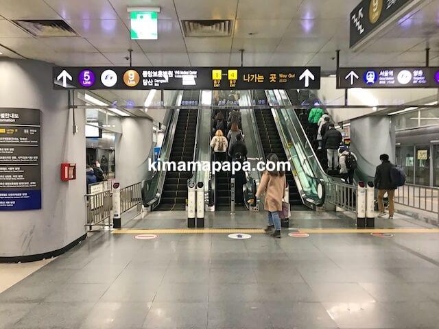 ソウル金浦空港、地下4階、空港鉄道ソウルからの到着ホーム