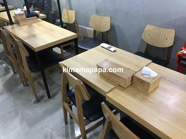 ソウル孔徳、孔徳キンパのテーブル席