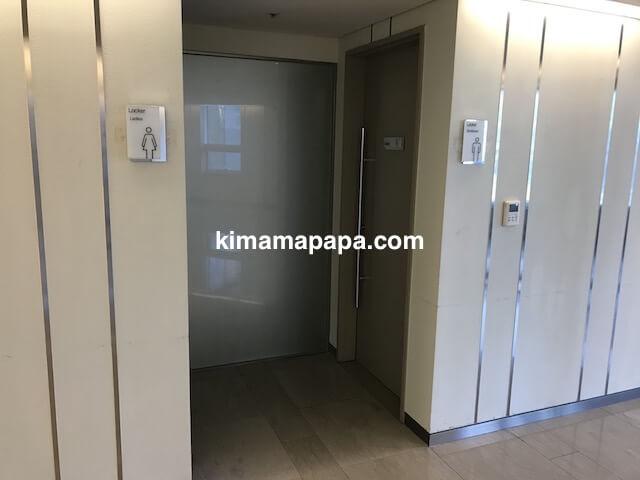 ソウル孔徳、ロッテシティホテル麻浦のフィットネスジムのロッカールーム入口
