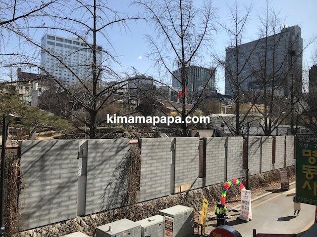 ソウル明洞、王妃家から見た中国大使館
