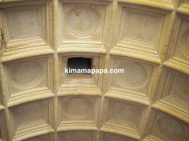 ヴァレッタ、聖エルモ砦内の聖アン礼拝堂の天井