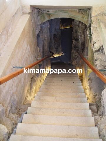 聖パウロカタコンベ、入り口の階段