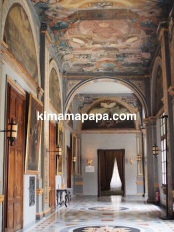 ヴァレッタ、騎士団長の宮殿の廊下
