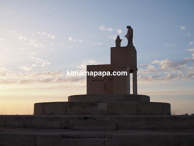 ゴゾ島、タ・ピーヌ教会の石像