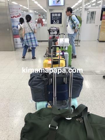 富山空港、国際線チェックインカウンター