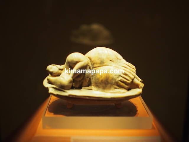 マルタ、ハル・サフリエニの地下墳墓の出土品