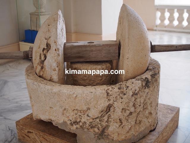ヴァレッタの国立考古学博物館、石臼
