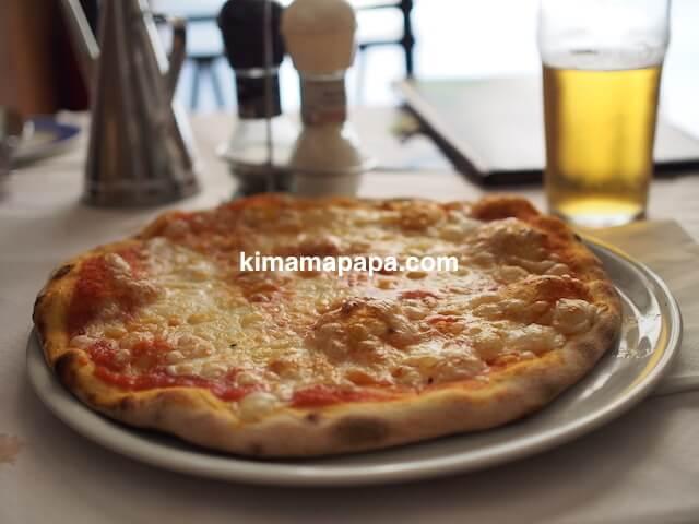 ヴァレッタ、クリアンサレストランのマルゲリータピザ