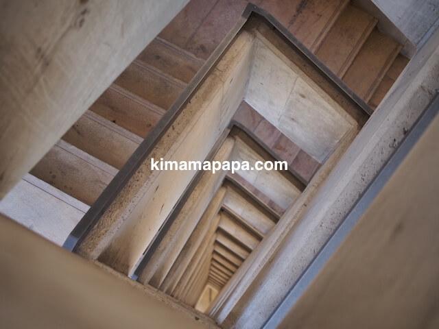 マルタ、ヴァレッタのバラッカ・リフトの階段